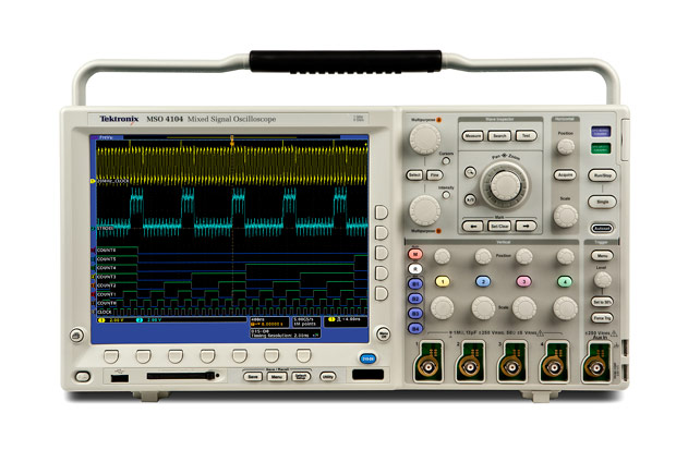 Using A Digital Oscilloscope : Used tektronix dpo mhz gs s digital phosphor