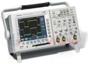 Tektronix TDS3052B, TDS3032B, TDS3012B 2-Channel Oscilloscopes